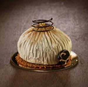 believe-me-these-wonderful-desserts-are-porcelain-sculptures-59fc26d02147a__880