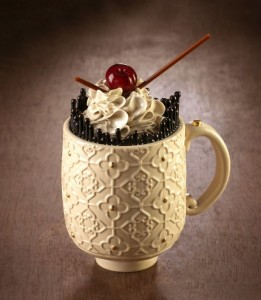 believe-me-these-wonderful-desserts-are-porcelain-sculptures-59fc26f729677__880